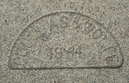 1944v