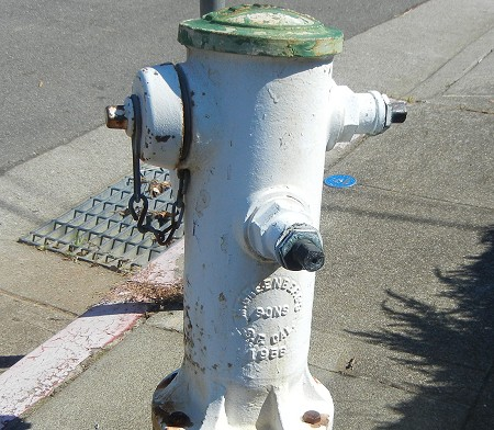 hydrant-rusting-ave