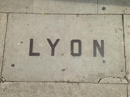 LYONsign